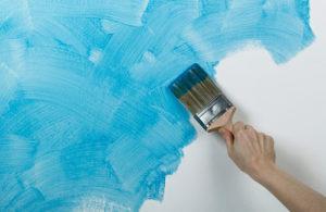 нанесение краски под шелкографию