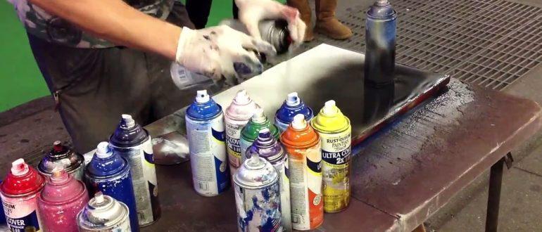 Процесс рисования аэрозольными красками