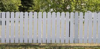 покрасить деревянный забор