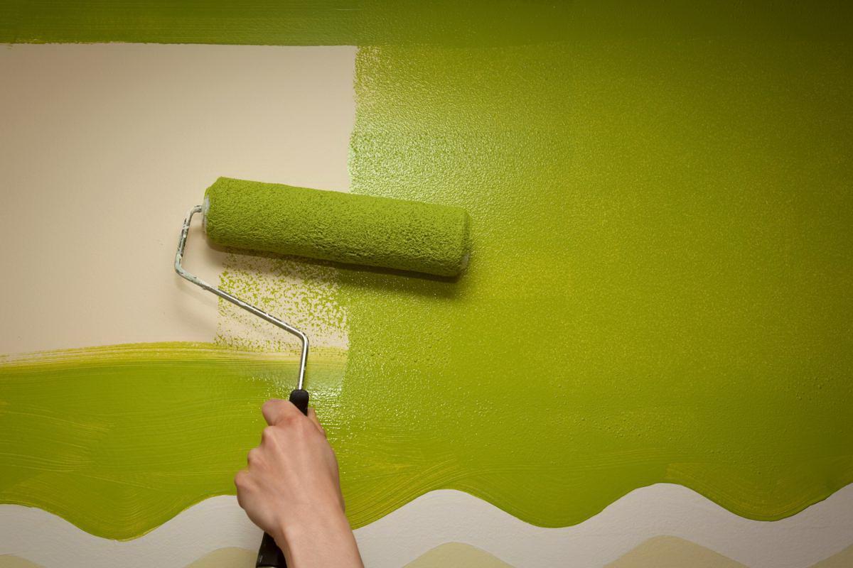 Чем покрасить стены вместо обоев