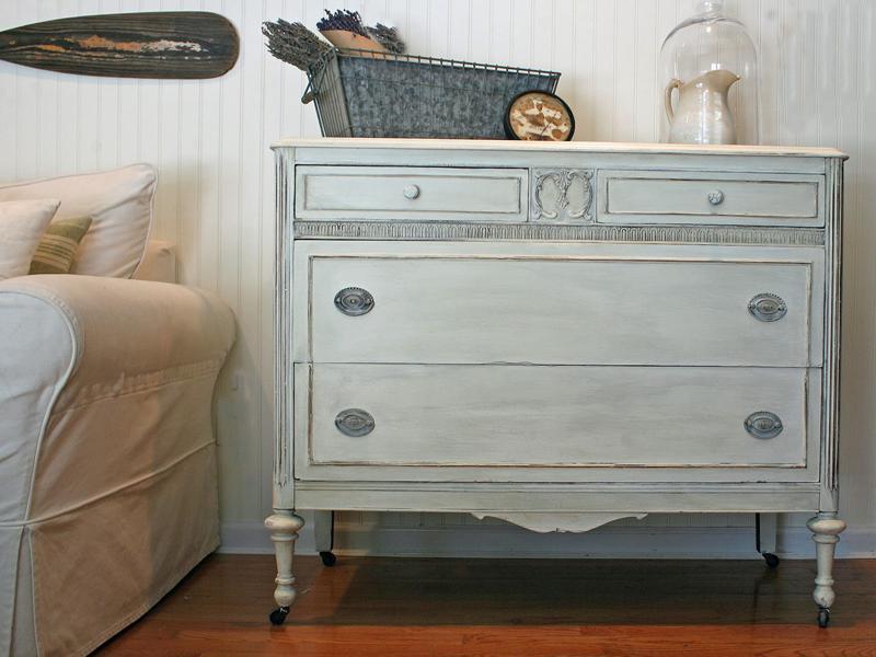 Мебель окрашенная меловой краской