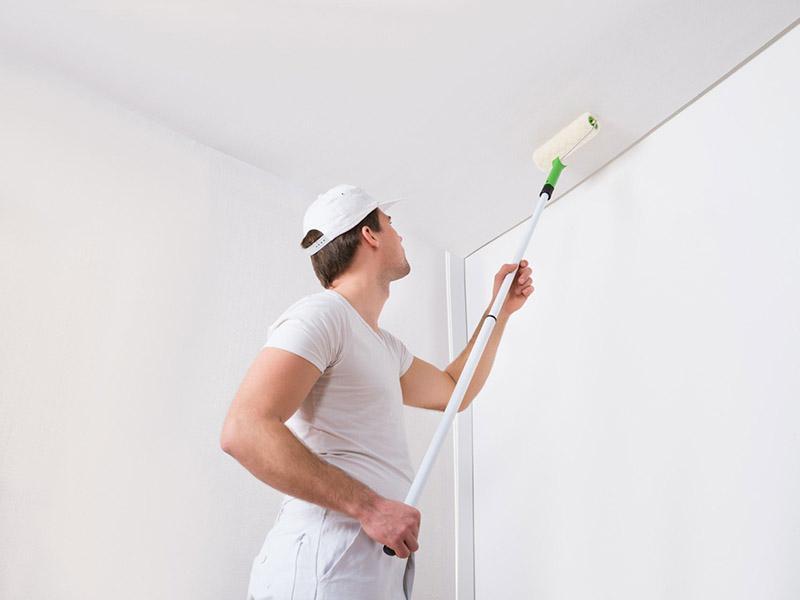 Покраска бетонного потолка