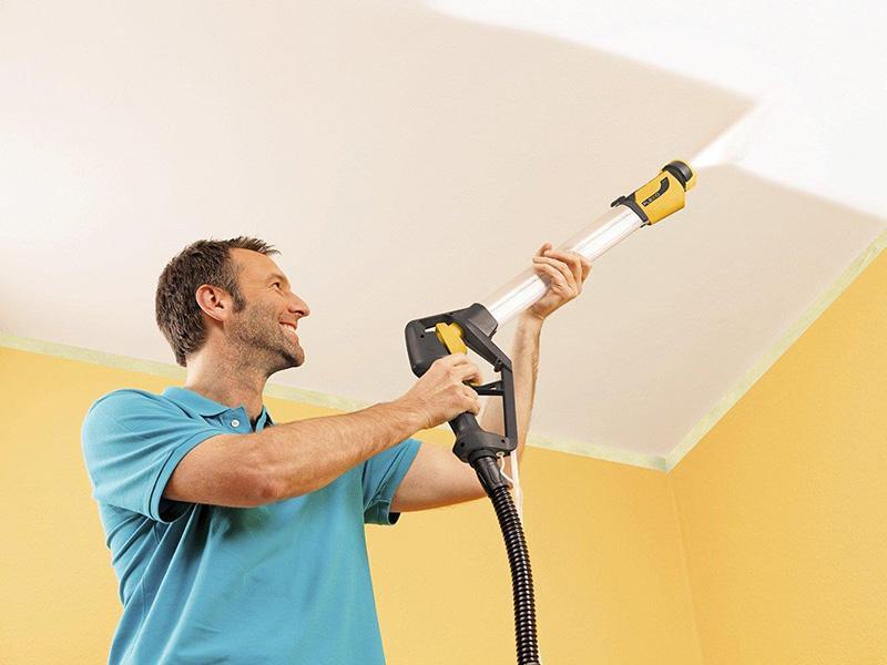 Покраска потолка пульверизатором