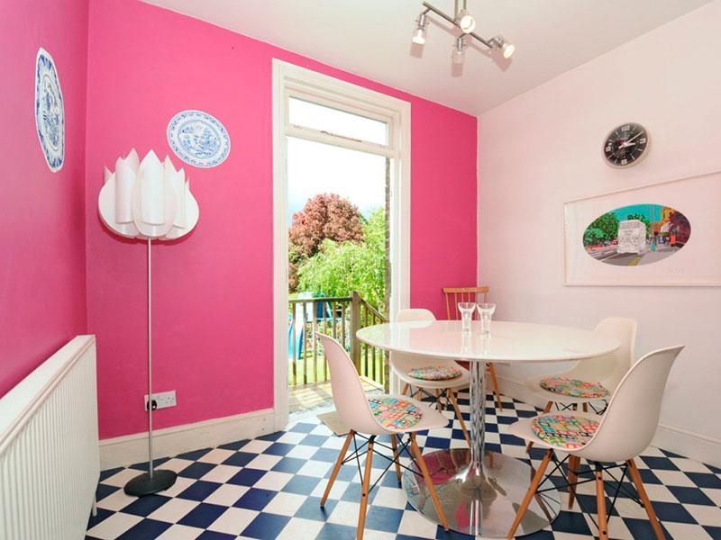 Двухцветные стены на кухне